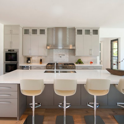 Example of a trendy kitchen design in Dallas with stainless steel appliances