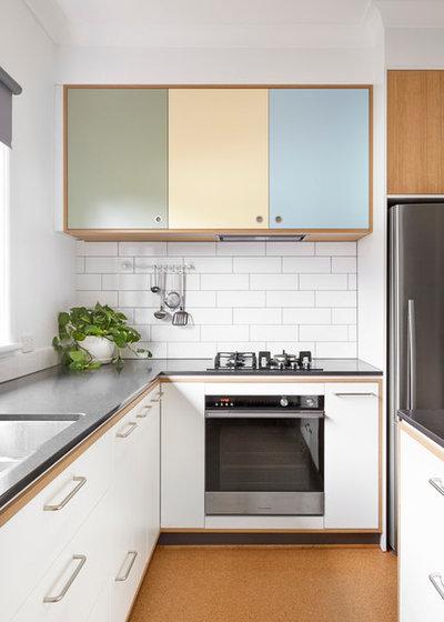 Scandinavian Kitchen by smarterBATHROOMS+