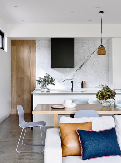 Contemporary Kitchen by Heartly