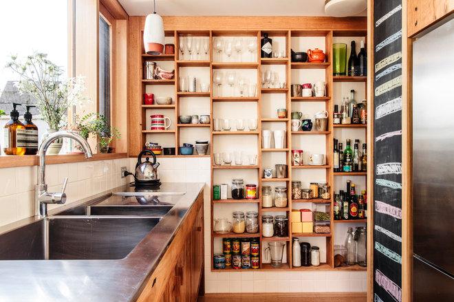 Eclectic Kitchen by Olivia van Dijk Architecture