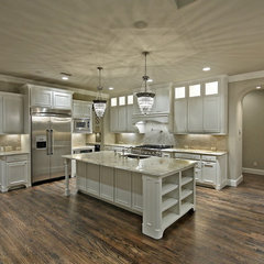 kitchen by Veranda Fine Homes