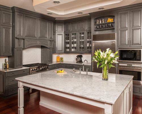 Traditional Kitchen with Beige Backsplash Design Ideas & Remodel Pictures   Houzz