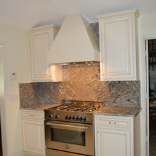 Traditional Kitchen by Pen/Ra Construction