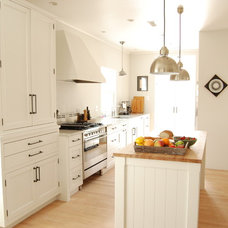 Farmhouse Kitchen by Rebekah Zaveloff | KitchenLab