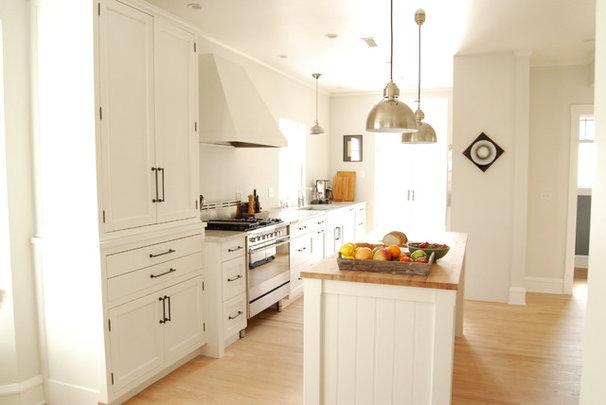 Farmhouse Kitchen by Rebekah Zaveloff   KitchenLab