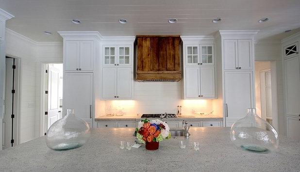 Traditional Kitchen By Castro Design Studio