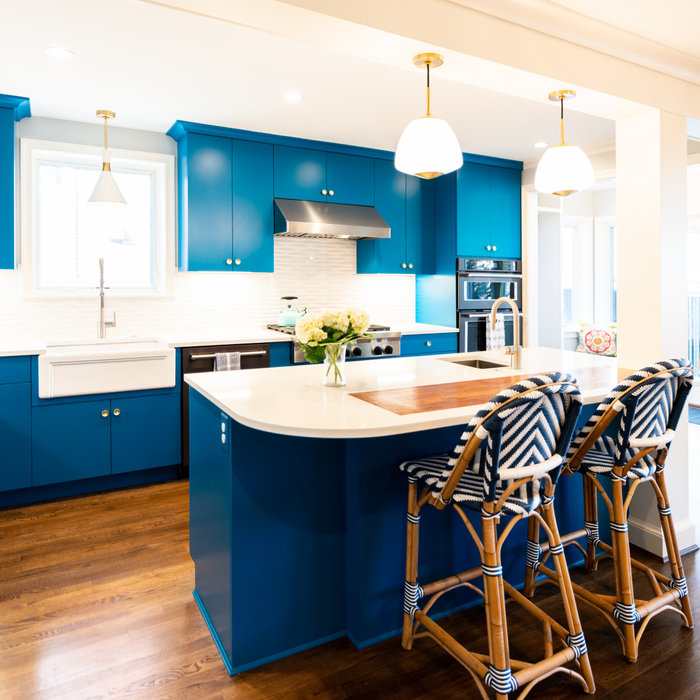 The project opened up formerly separated Kitchen and Breakfast Room spaces with an island as a new gathering point. Combined with existing step down Family Room the space now flows well for a family w