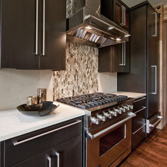 contemporary kitchen Northwest Territorial Residence