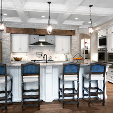 Traditional Kitchen by Red Rock Custom Homes, Inc.