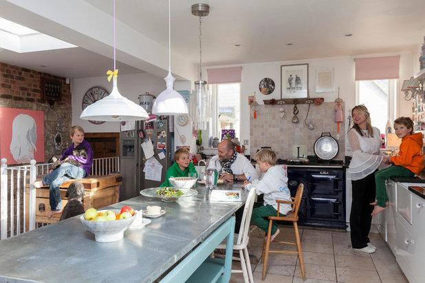 Klassisch Küche by Chris Snook