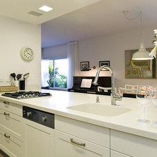 Contemporary Family Room by Davidie Rozin Architects