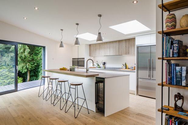 Modern Kitchen by Cloisters Design Ltd