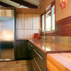 Contemporary Kitchen by Janel Campbell, CKD,CBD,CAPS/Neil Kelly Company