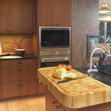 Contemporary Kitchen by Robin Rigby Fisher CMKBD/CAPS