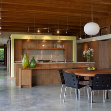 Modern Kitchen by Hammer & Hand