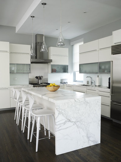 Using White Marble: Hot Debate Over a Classic Beauty - kitchen counter marble
