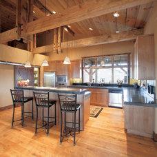 Traditional Kitchen by Giulietti Schouten Architects