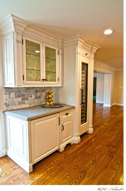 Traditional Kitchen by Reaume Construction & Design