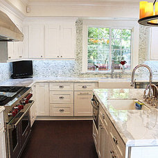 Traditional Kitchen by Fidelity General Contractors Inc.