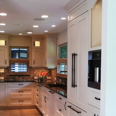 Contemporary Kitchen by Terri Wills, Dip. Building Technology