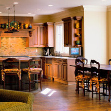 Traditional Kitchen by Hunter Roberts Homes