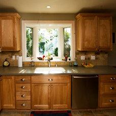 Traditional Kitchen by Daniel M Swain, Architect