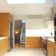 Contemporary Kitchen by Ecohome Improvement