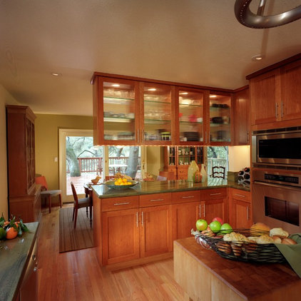 Traditional Kitchen by Katie Anderson Interior Design Consultants