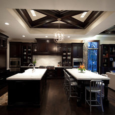 Modern Kitchen by Oakley Home Builders