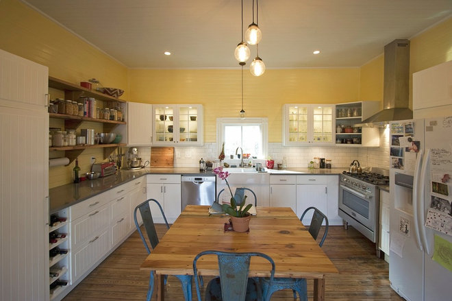 Traditional Kitchen by Linton Architects