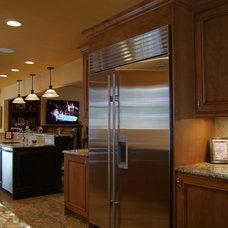 Mediterranean Kitchen by Da Vinci Remodeling, LLC