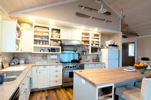 Contemporary Kitchen by Louise Lakier
