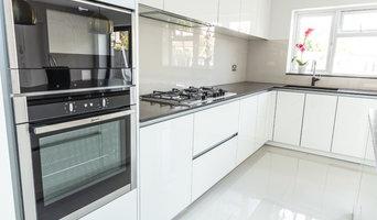 Off-White Handless Kitchen with CQ Enquire Worktop