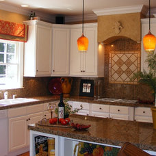 Traditional Kitchen by Transforming Rooms