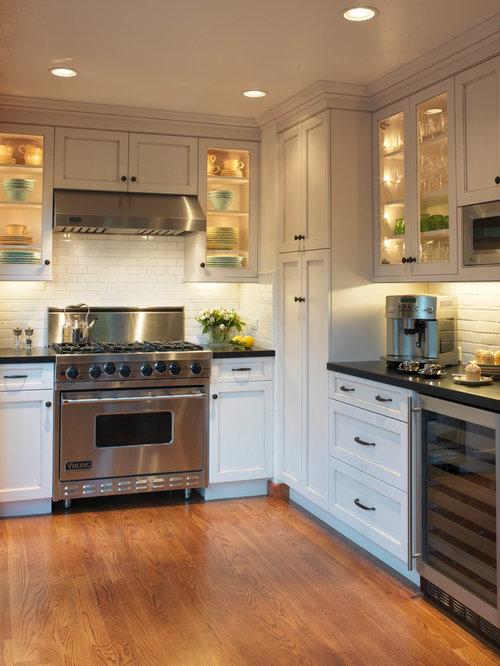 Inspiration For A Timeless L Shaped Enclosed Kitchen Remodel In San  Francisco With Subway Tile