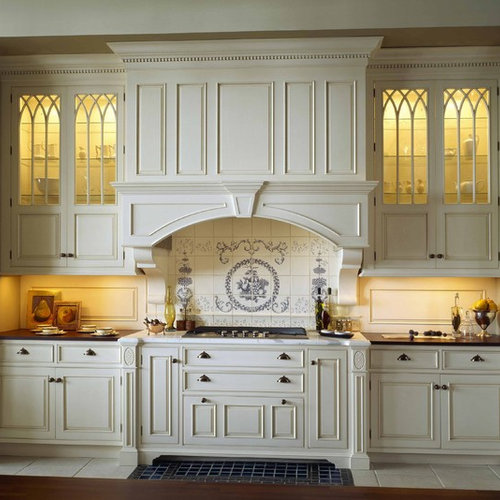 Traditional Kitchen Inspiration   Elegant Kitchen Photo In Boston With  Multicolored Backsplash, Raised Panel