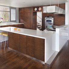 Modern Kitchen by Morgan Howarth Photography