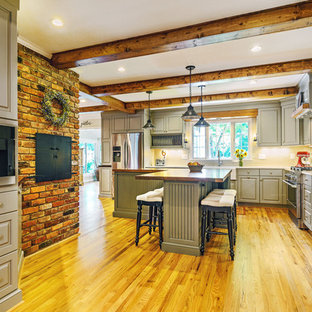 Farmhouse kitchen photos - Country kitchen photo in Other