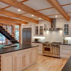 Traditional Kitchen by Bensonwood