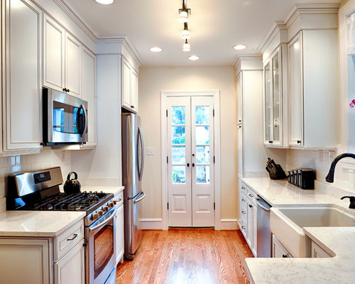 25 Best Small Traditional Kitchen Ideas & Remodeling ...