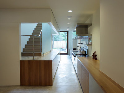 Contemporary Kitchen by Wheeler Kearns Architects