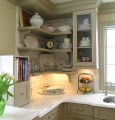 traditional kitchen by Marlene Wangenheim AKBD, CAPS, Allied Member ASID