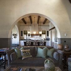 Traditional Kitchen by The Berry Group