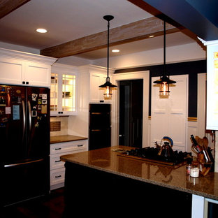 Traditional kitchen pictures - Inspiration for a timeless kitchen remodel in Other