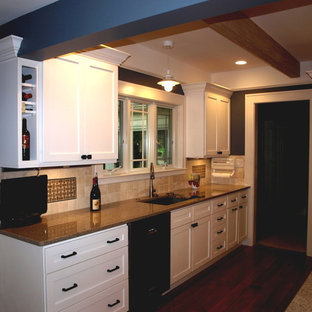 Traditional kitchen appliance - Example of a classic kitchen design in Other