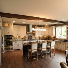 modern kitchen by Weaver Custom Homes
