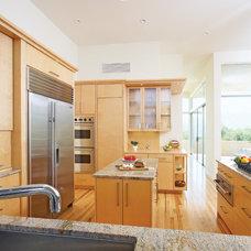 Modern Kitchen by HartmanBaldwin Design/Build