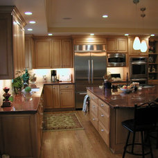Traditional Kitchen by Kitchen Enthusiast