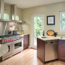 Traditional Kitchen by Paula Arsens Kitchen Design