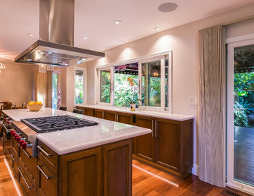Open and Airy Contemporary Kitchen